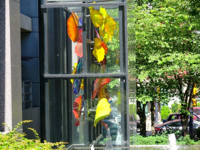 chihuly at the residences